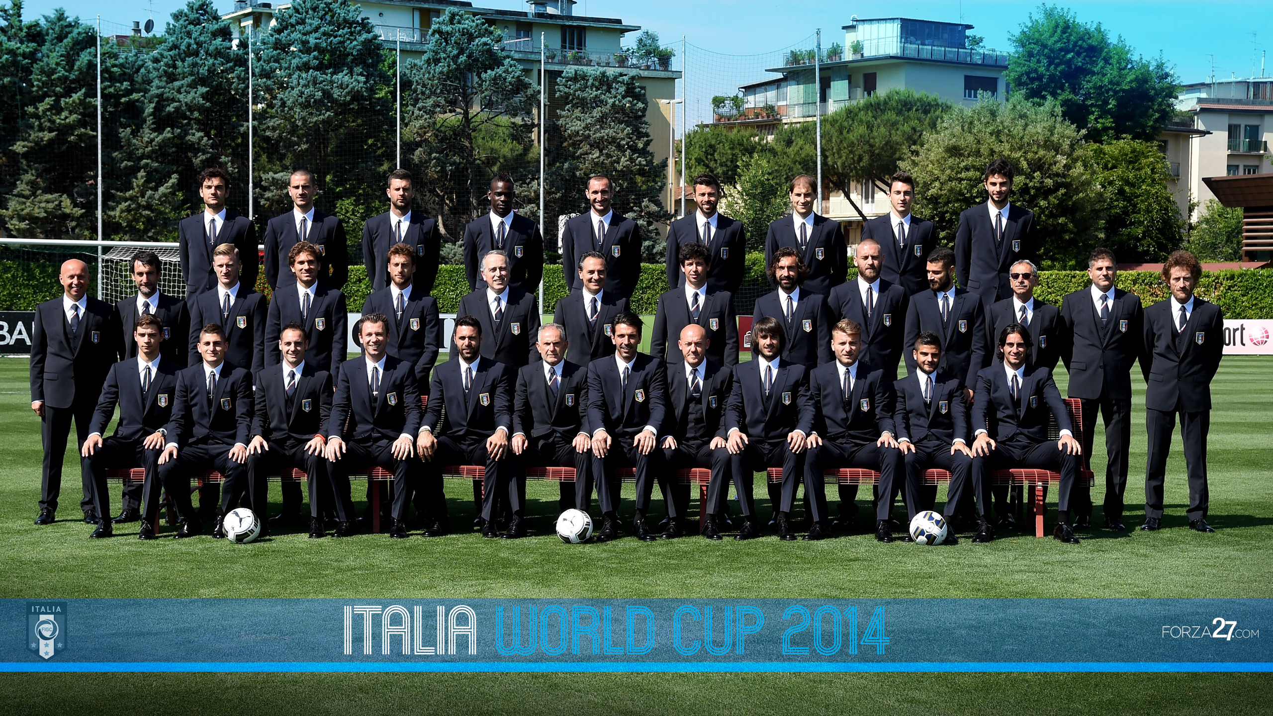 italy2014_suits_wall